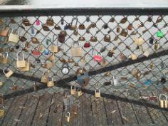 Liebesschlösser an der Pont de Arts in Paris
