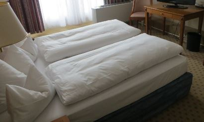 gr nde ein neues bett zu verschenken. Black Bedroom Furniture Sets. Home Design Ideas