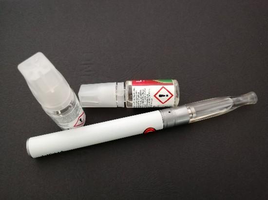 E Zigarette mit Liquid